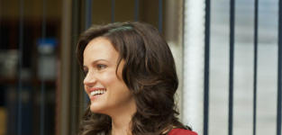 Carla Gugino to Report on Political Animals for USA