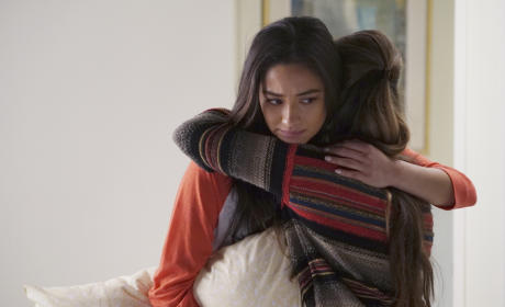 No Emotion - Pretty Little Liars  Season 6 Episode 2