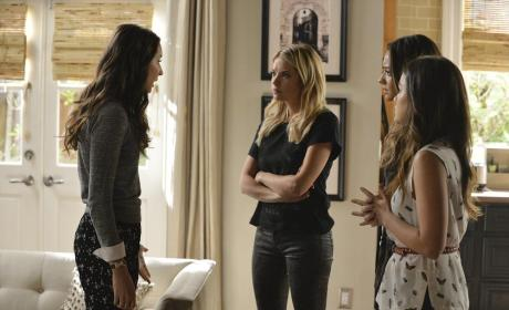 Regrouping - Pretty Little Liars Season 5 Episode 14