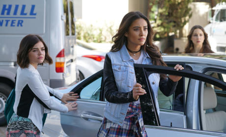 What Are We Looking At? - Pretty Little Liars Season 6 Episode 4
