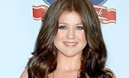 Kelly Clarkson Album Back on Track