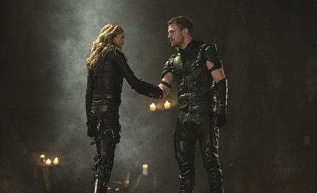 Superheroes - Arrow Season 4 Episode 5