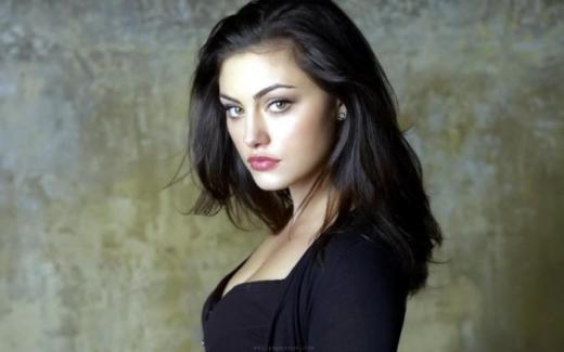 Phoebe Tonkin Promotional Pic