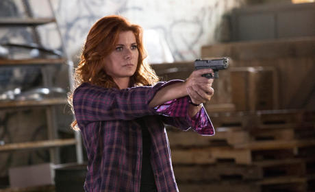 The Mysteries of Laura Season 2 Episode 4 Review: The Mystery of the Convict Mentor