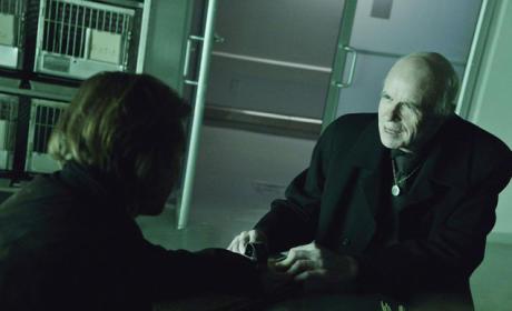 12 Monkeys Season 1 Episode 5 Review: The Night Room