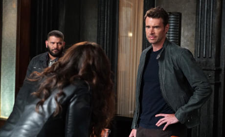 Quinn Disagrees With Jake - Scandal Season 5 Episode 2