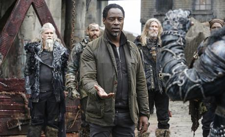 Reunited with Jaha - The 100 Season 3 Episode 15