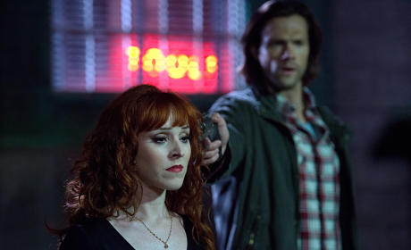 Rowena captured - Supernatural Season 11 Episode 3