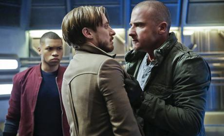 DC's Legends of Tomorrow Season 1 Episode 7 Review: Marooned