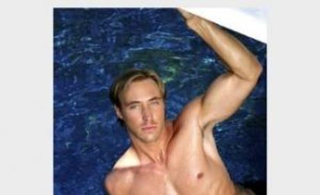 Kyle Lowder Shirtless!