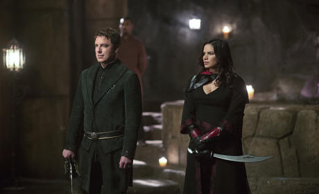 Keepers of the Lazarus Pit - Arrow Season 4 Episode 3