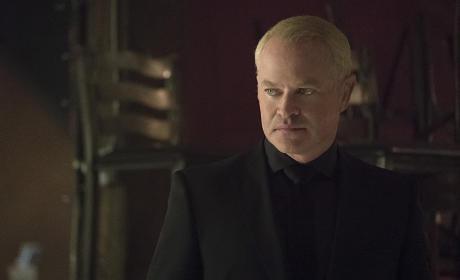 Headshot - Arrow Season 4 Episode 2