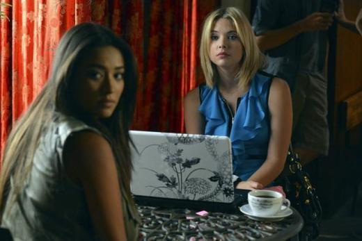 Hanna and Emily Investigate