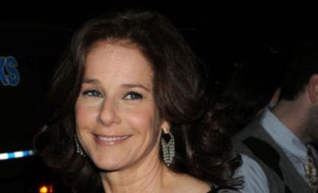 Debra Winger to Star on In Treatment