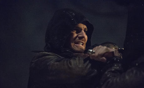 Enemy Afoot! - Arrow Season 3 Episode 23