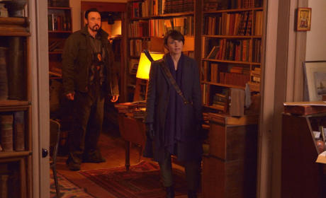 Acquiring the Book By Force? - The Strain Season 2 Episode 10