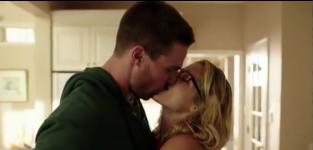 Arrow Season 4 Trailer: Return of Oliver and Badass Felicity Delivers