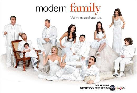 Modern Family Season 2 Poster