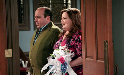 Mike & Molly Review: Family Feud
