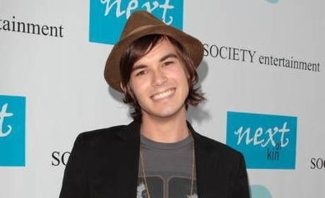 "Tyler Blackburn Cast as ""Bad Boy"" on Pretty Little Liars"