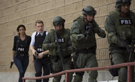 The FBI team moves in - The Blacklist Season 4 Episode 3