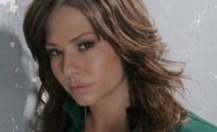 Sarah Brown Signs New General Hospital Contract