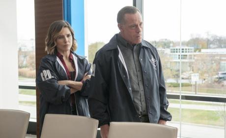 Lindsay's Got Voight's Back - Chicago PD Season 3 Episode 10