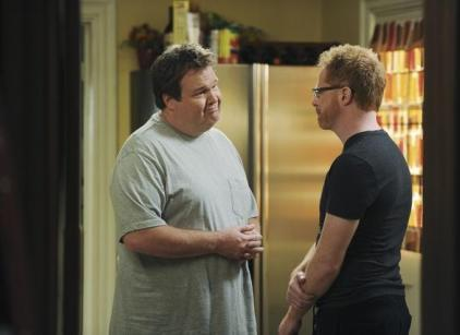 Watch Modern Family Season 2 Episode 12 Online