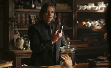 Dealing With the Devil - Once Upon a Time Season 4 Episode 4