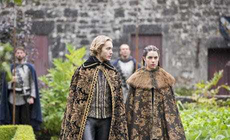 Reign Season 2 Episode 2 Review: Drawn and Quartered