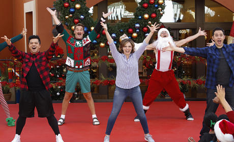 Crazy Ex-Girlfriend Season 1 Episode 8 Review: My Mom, Greg's Mom and Josh's Sweet Dance Moves!