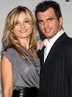 Tony Dovolani, Wife