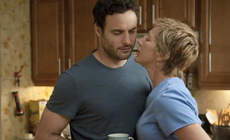 "Nurse Jackie Review: ""Play Me"""