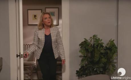 Watch Devious Maids Online: Season 4 Episode 6