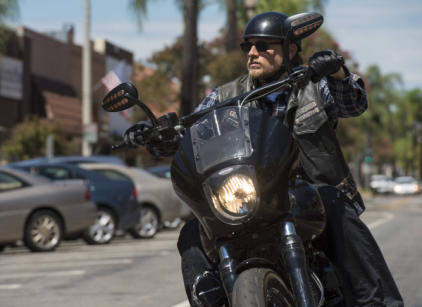 Watch Sons of Anarchy Season 6 Episode 12 Online