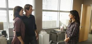 90210 Review: Things Get Serious...