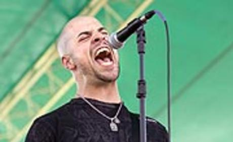 Chris Daughtry Signs Record Deal