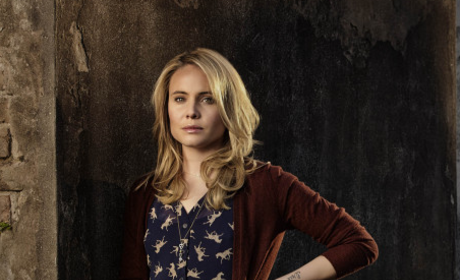 The CW Awards: Vote for Best Supporting Actress!