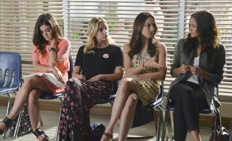 Waiting Room - Pretty Little Liars Season 5 Episode 19