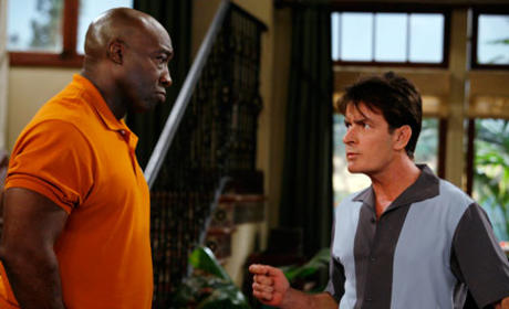 "Two and a Half Men Recap: ""A Mooch at the Boo"""