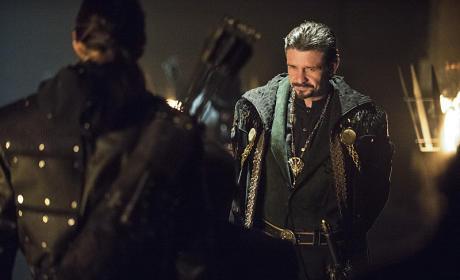 It's Not Easy - Arrow Season 3 Episode 18