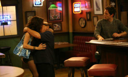"It's Always Sunny in Philadelphia Review: ""Frank's Pretty Woman"""