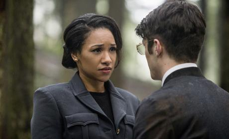 Trouble in Paradise - The Flash Season 2 Episode 14
