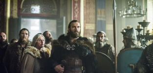 Rollo Enters the Throne Room - Vikings