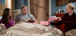 "Gary Unmarried Recap: ""Gary Moves In"""