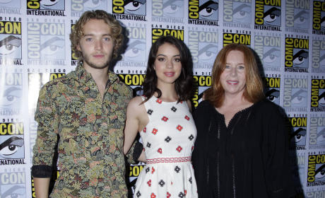 "Reign Season 2 to Go ""Beyond Castle Walls,"" Plague Nation with Death"
