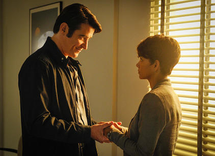 Watch Extant Season 1 Episode 11 Online
