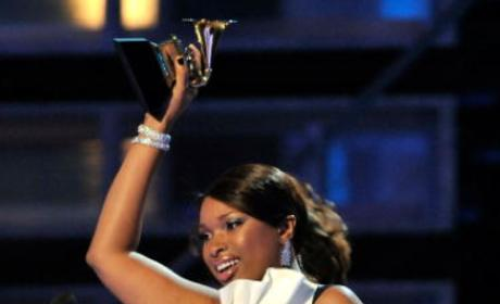 Jennifer Hudson Wins 2009 Grammy Award