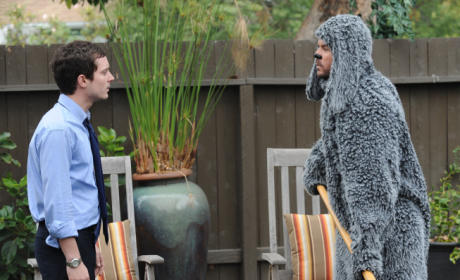 Wilfred Series Premiere Review: Be a Man!