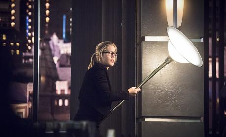 Lethal Lamp! - Arrow Season 4 Episode 17